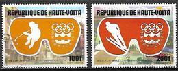 HAUTE VOLTA   -  Poste Aérienne  -  1975 .  Y&T N°199 à 200 Oblitérés.   Hockey  /  Saut à Ski. - Alto Volta (1958-1984)
