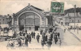 FLERS - Les Halles Et La Place De L'Hôtel De Ville - Flers