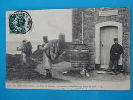 62 ) Au Cap Gris-nez - N° 353 - Le Poste De Douane - Douaniers Se Rendant Aux Poste De Nuit  - Année 1908 :  EDIT : LL - France