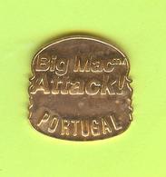 Pin's Mac Do McDonald's Portugal Big Mac Attack! Doré - 9W14 - McDonald's