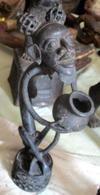 Man Met Kruik In Brons (Oorsprong Benin) - Art Africain