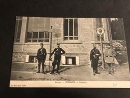 CPA 1900/1920 Frontière De La Schlucht Douaniers Français Et Allemands Au Poteau - Gerardmer