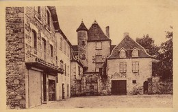 BRETENOUX (Lot): La Place - Bretenoux