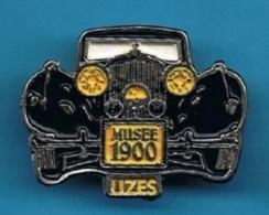 PIN'S //   ** UZÈS / MUSÉE 1900 / VOITURES ANCIENNES ** - Pin