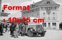Reproduction D'une Photographie Ancienne D'un Post Bus à Bulle District De La Gruyère En Suisse En 1946 - Photographs