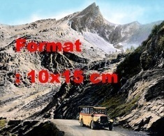 Reproduction D'une Photographieancienne D'un Post Bus Sur La Route Du Gothard Près De Simplon En Suisse En 1920 - Repro's