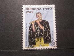 "VEND BEAU TIMBRE DU BURKINA FASO N° 1002AM , OBLITERATION "" KOMBISSIRI "" !!! - Burkina Faso (1984-...)"