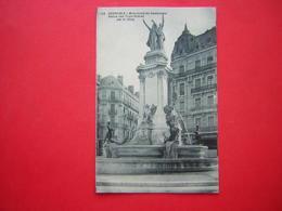 CPA  GRENOBLE  MONUMENT DU CENTENAIRE STATUE DES TROIS ORDRES PAR H. DING    NON VOYAGEE - Grenoble