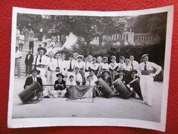 FARANDOLE DE SANTO ES MARSEILLE PHOTO BARRAL ARLES  24 X 18 - Photographs