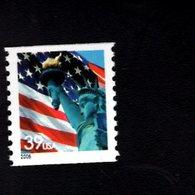 1007571995 SCOTT 3979 POSTFRIS MINT NEVER HINGED EINWANDFREI (XX) -  FLAG AND STATUE OF LIBERTY - Verenigde Staten