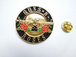 Superbe Big Pin's En Relief , Musique , Groupe Guns N' Roses , Hard Rock - Musique