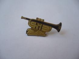 PIN'S PINS PIN PIN's ピンバッジ  MADISON THÈME INSTRUMENTS DE MUSIQUE TROMPETTE - Musique