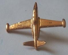 PIN'S AVIATION FOUGA RELIEF 3 D - Aviazione