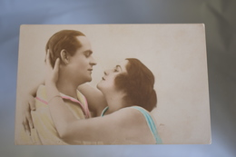B705 Couple Romantic Love - Couples