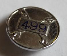 à Identifier Insigne De Boutonnière 499 Avec 4 Mains Fattorini Bradford - Abzeichen & Ordensbänder