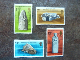 1977  Prehistoric Monuments   SG = 153 / 156  **  MNH - Guernesey
