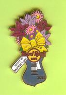 Pin's Hard Rock Café Happy Mother's Day / Joyeuse Fête Des Mères Bouquet Guitare - HRC19 - Musique