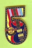 Pin's Hard Rock Café Denver Chiffre 5 Guitare - HRC21 - Musique