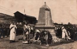 Carte-Photo - Cérémonie Religieuse Et Militaire - Monument Aux Morts … ( Légende Photographe Au Dos) - Serbie