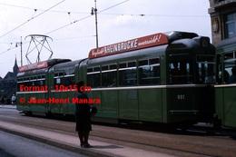 Reproduction D'unePhotographie D'un Tramway Avec Publicité RheinBrucke à Bâle En Suisse En 1965 - Reproductions