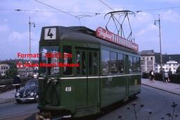 Reproduction D'unePhotographie D'un Tramway Ligne 4 B.V.B Avec Publicité RheinBrucke à Bâle En Suisse En 1965 - Reproductions