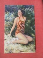Female Bathing Suit      Ref 4103 - Pin-Ups