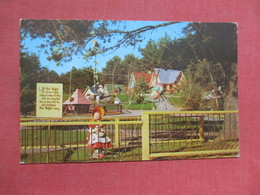 Spider Web Little Miss Muffet  Story Land  New York > Lake George    Ref 4103 - Lake George