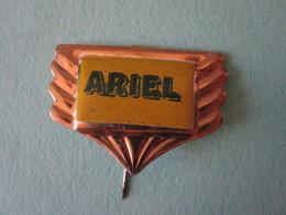 ARIEL Moto Pin Lapel Button Badge - Motor Motorcycle Motorbike Motard Logo - Motorfietsen