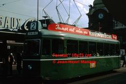 Reproduction D'une Photographie D'untramway Ligne 2 Avec Publicité Rheinbrucke à Bâle En Suisse En 1965 - Reproductions