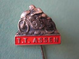 TT ASSEN Moto Pin Lapel Button Badge - Motor Motorcycle Motorbike Motard - Motorfietsen