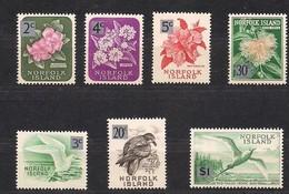 Norfolk Islands 1966 Entre Yvertn°  63 Et 73 *** MNH Pas Complète Cote 16,20 Euro Faune Et Flore Oiseaux Fleurs - Isola Norfolk