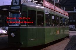 Reproduction D'une Photographie D'untramway Vert Ligne 4 Clarapl. Kleinhuningenà Bâle En Suisse En 1965 - Reproductions