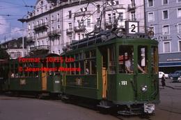 Reproduction D'une Photographie D'un Tramway Vert Ligne 2 Circulantà Bâle En Suisse En 1965 - Reproductions