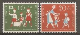 BDP 1957 Yv N° 129,130  Mi N° 250,251  ** MNH Colonies De Vacances  Cote 5 Euro TBE - Nuovi