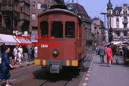 Reproduction D'une Photographie D'un TramwayB.V.B N°2030 Circulant Dans Le Centre DeBâle En Suisse En 1965 - Reproductions