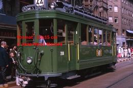Reproduction D'une Photographie D'un TramwayB.V.B Ligne 22 à Un Arrêt àBâle En Suisse En 1965 - Reproductions
