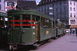 Reproduction D'une Photographie D'un Tramway B.V.B Ligne 14 Dans Le CentredeBâle En Suisse En 1965 - Reproductions
