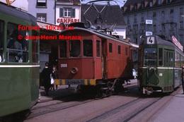 Reproduction D'une Photographie De Tramway B.V.Bdans Le CentredeBâle En Suisse En 1965 - Reproductions