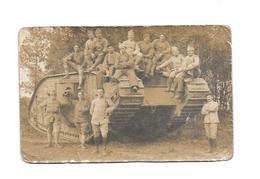 11604 - Carte Photo TANK Et Militaires, Thème Militaria, Guerre, Matériel, - Matériel
