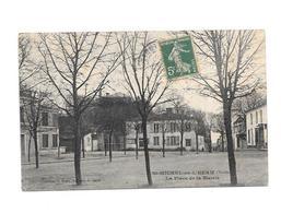 11607 - 85 - SAINT MICHEL En L'HERM : La Place De La Mairie - Saint Michel En L'Herm