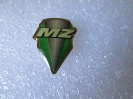 PIN'S   MOTO   LOGO   MZ - Motos
