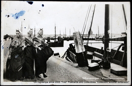Scheveningen Vissersvrouwen Femmes De Pêcheurs Hollandais Port Bateaux Wives Of Dutch Fishermen Harbor Boat Fishing - Visvangst