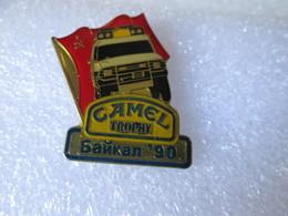 PIN'S      CAMEL  TROPHY  90 - Badges
