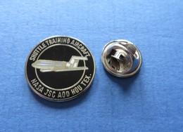 Pin's, NASA JSC, SHUTTLE TRAINING AIRCRAFT - Ruimtevaart