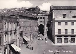 Cartolina Penne (Pescara) - Piazza Luca Da Penne. - Pescara