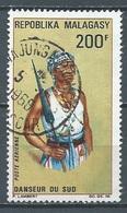 Madagascar Poste Aérienne YT N°103 Danseur Du Sud Oblitéré ° - Madagascar (1960-...)