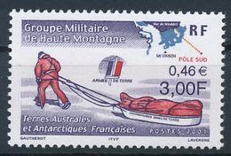 TAAF  -  2001  ,  Expeditionsteilnehmer Mit Zugschlitten - Terre Australi E Antartiche Francesi (TAAF)