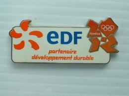 PIN'S EDF - J.O LONDRES 2012 - PARTENAIRE DEVELOPPEMENT DURABLE - EDF GDF