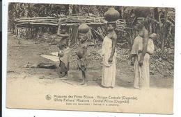 Missions Des Peres Blancs Afique Centrale Dans Une Bananeraie - Uganda