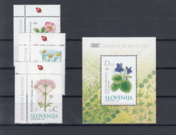 Slovenien Michel Cat.No. Mnh/** 396/398 + Sheet 14 Flowers - Slovenia